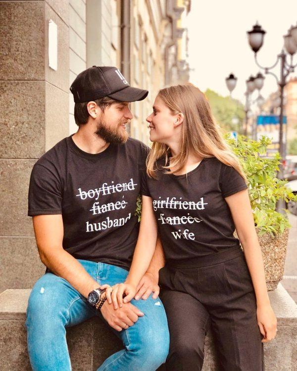 съпруг-у-съпруга-тениски-за-двоили-були-бг
